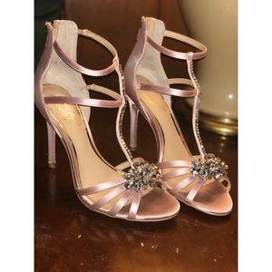 Blush Heels 👠